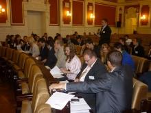 Plenáris ülés, előtérben a SZE csapata